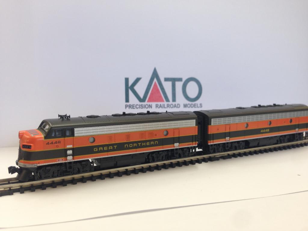 Kato 106 0420 N Emd F7a F7b Freight 2 Locomotive Set 444c And 444d Head Lights For Model Trains Northern Single Headlight